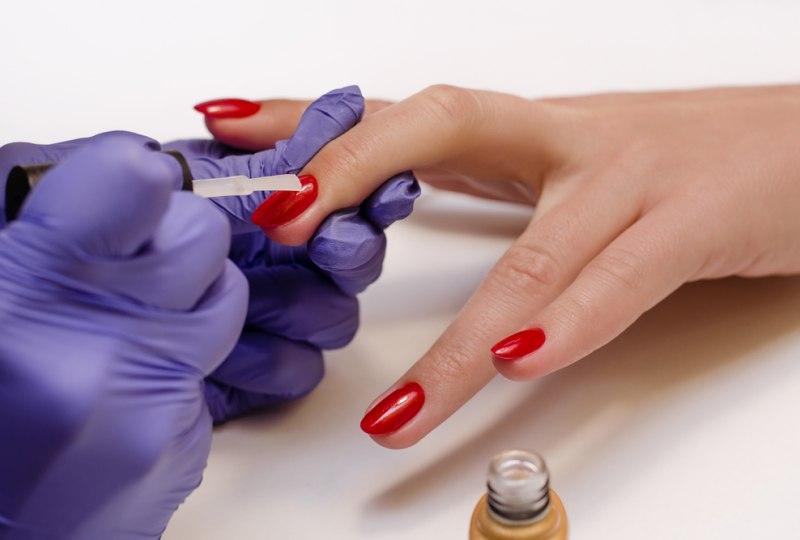 Покрытие ногтей гель-лаком Shellac, Luxio-1
